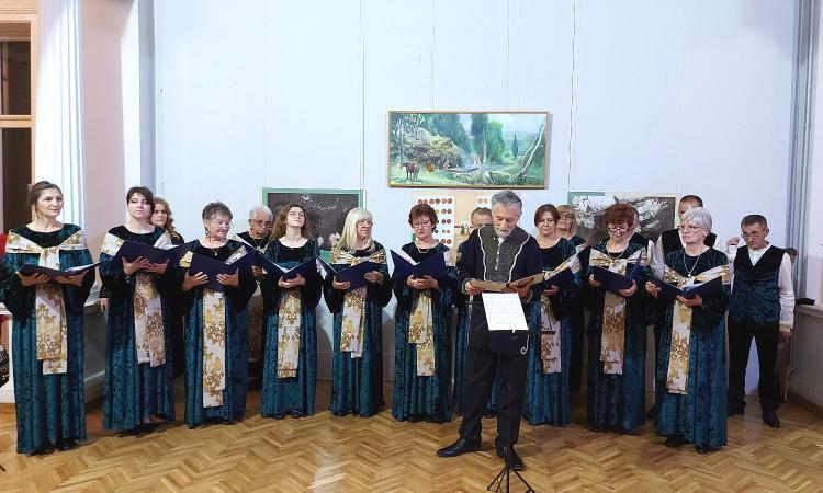 """Концерт хора """"Абрашевић 2014"""" и Љубе Манасијевића у Замку  културе"""