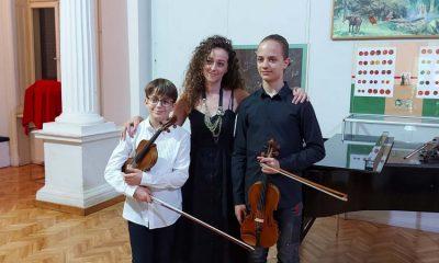 Младост и таленат кроз виолине и клавир